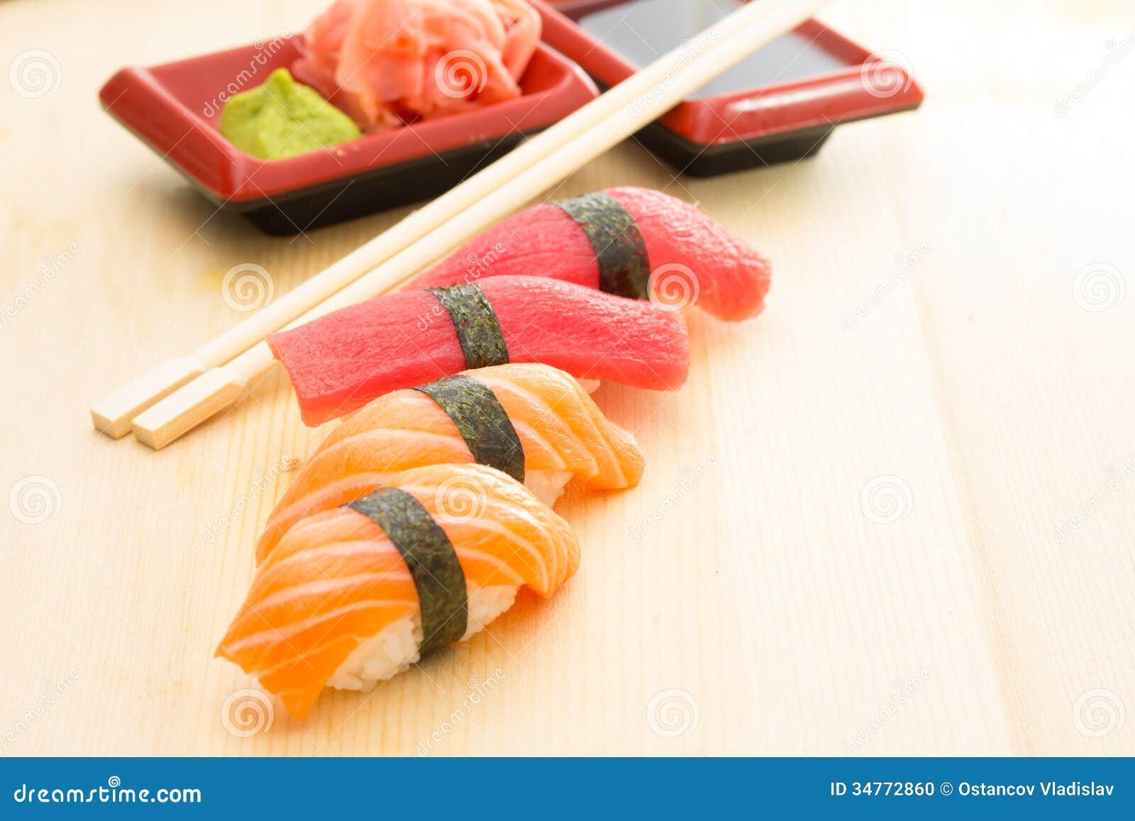 how to cut tuna for sushi nigiri
