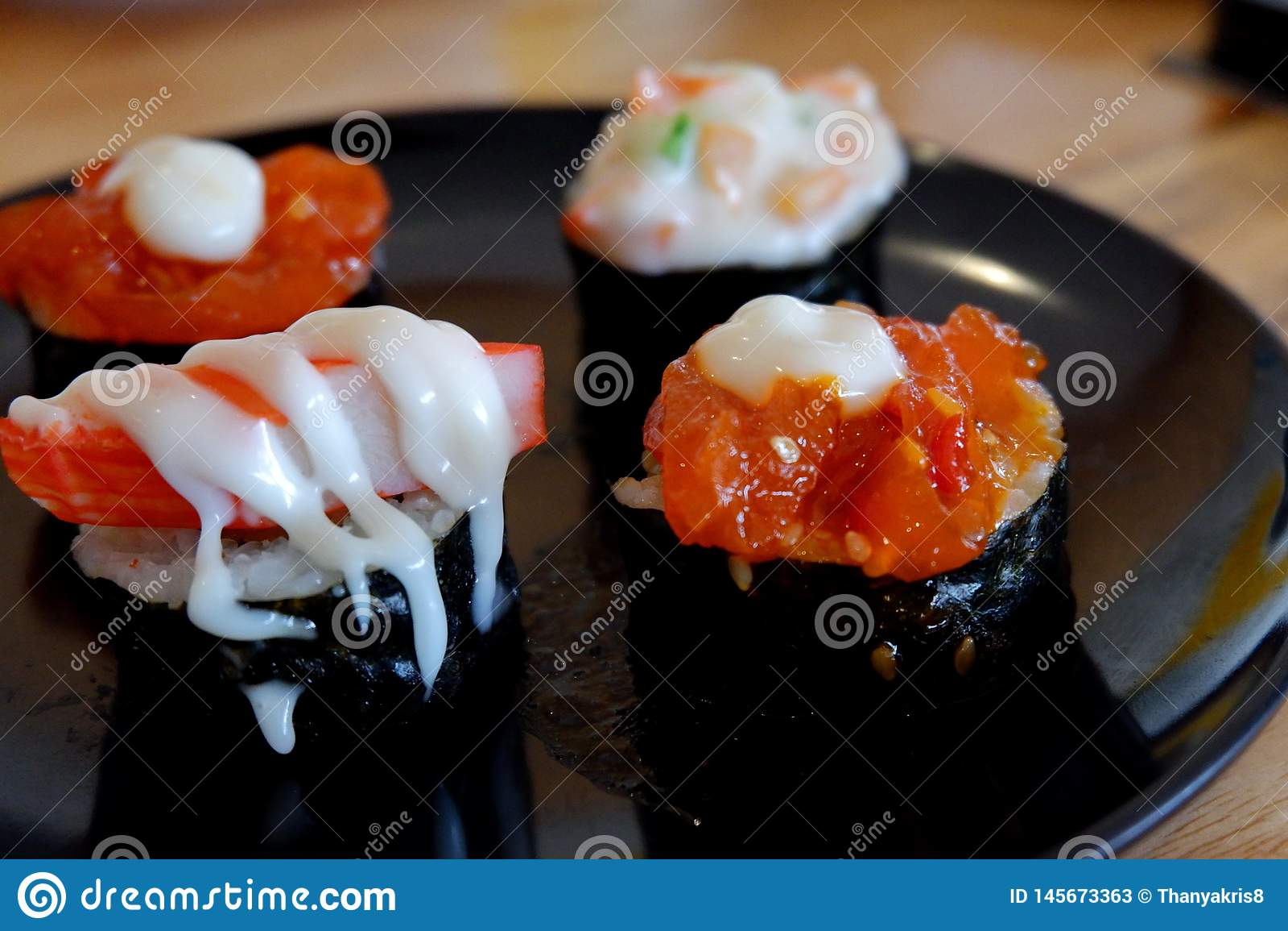 Sushi ?r p? plattan