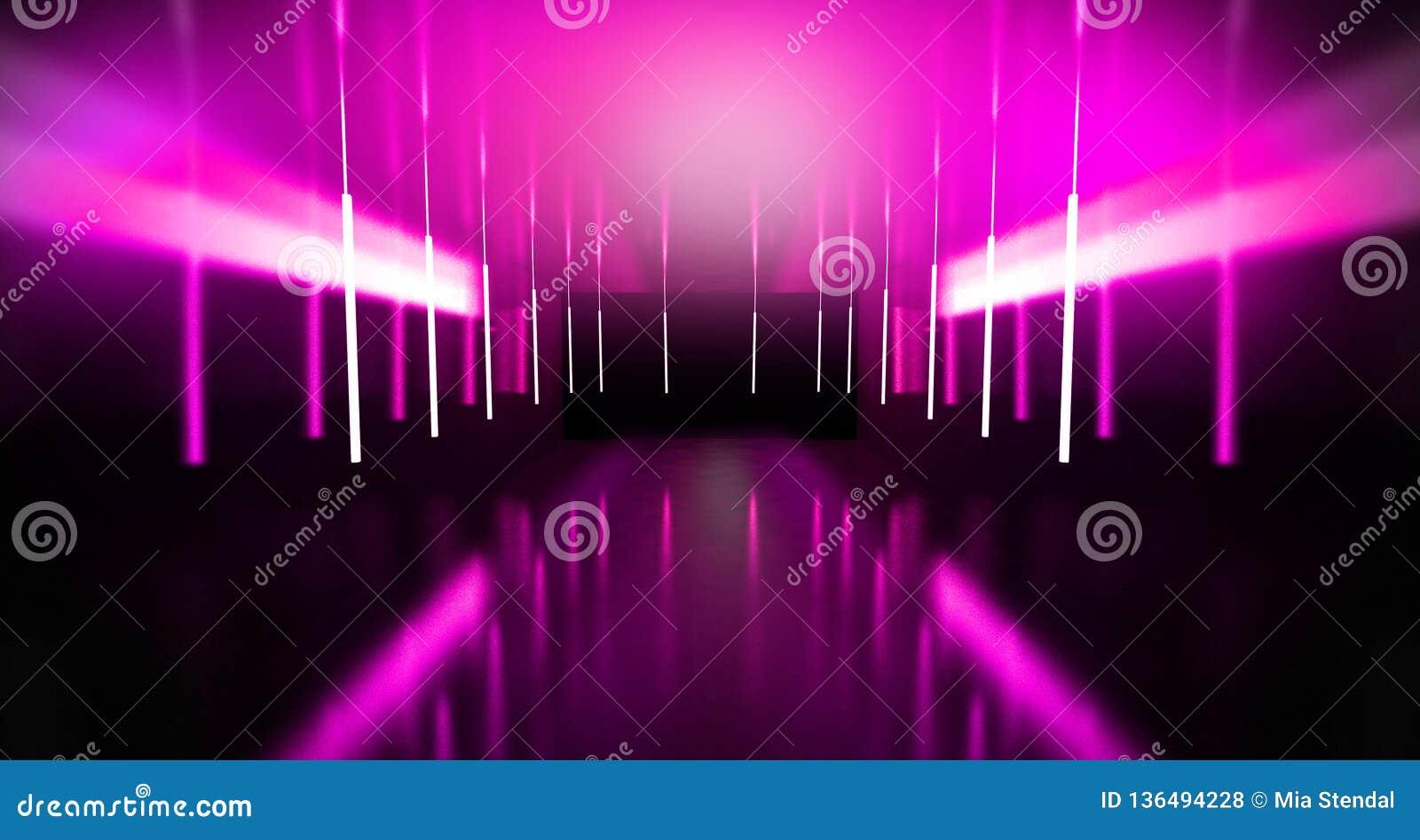 Svart tunnel, svart glans, neonlampor som hänger från taket, reflekterat i väggarna och golvet Nattsikt av korridoren