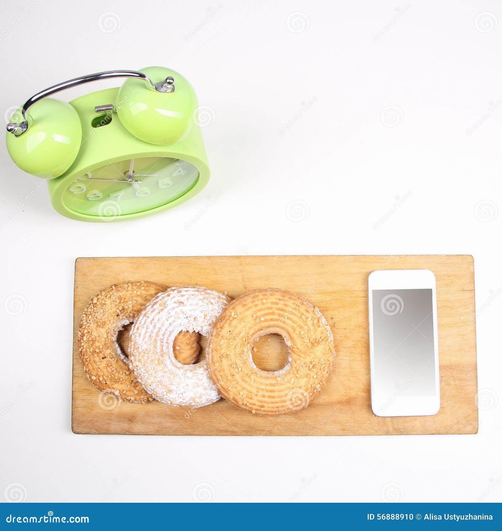 Sveglia e telefono cellulare