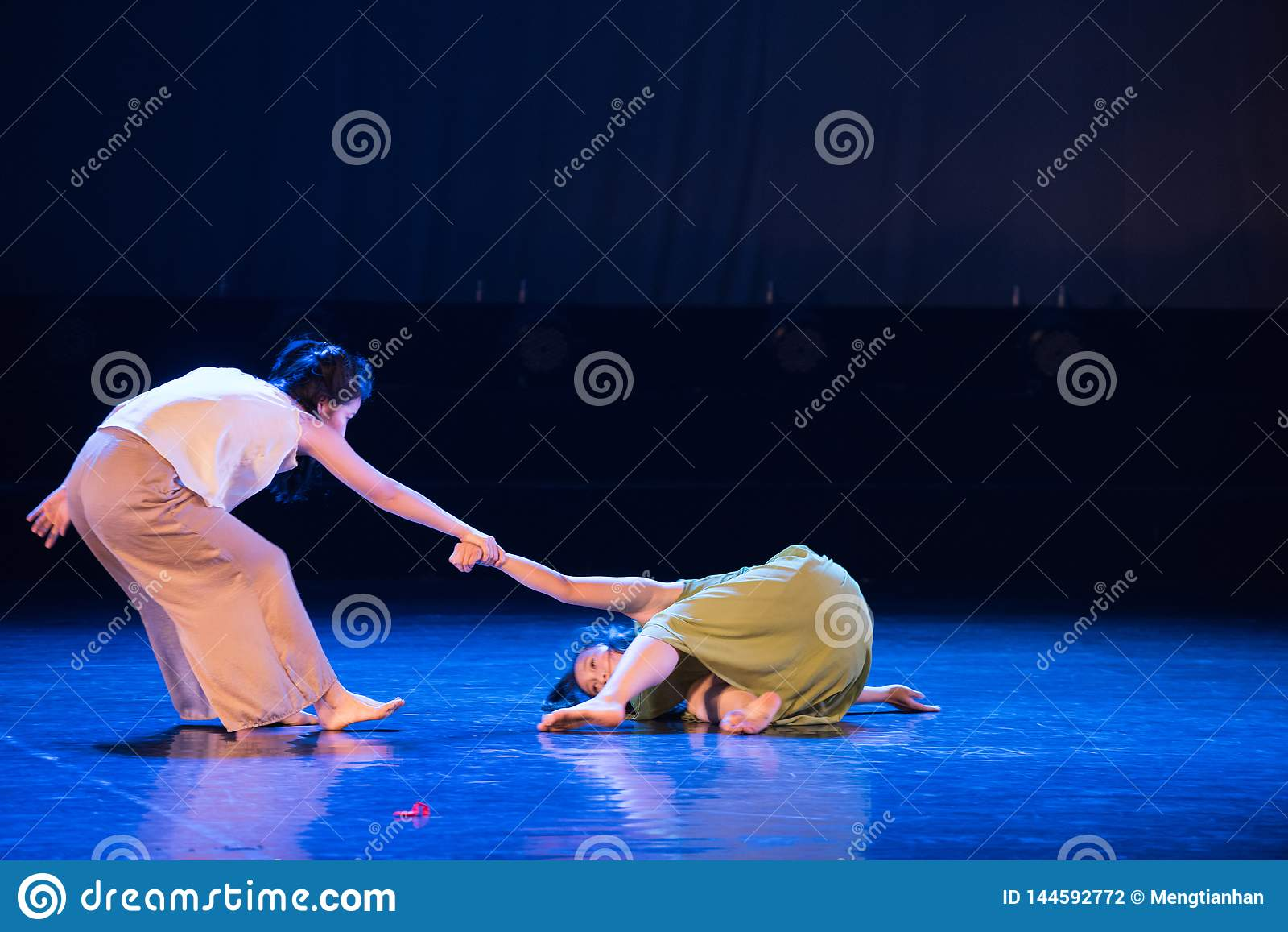 Sveglila su 4-Act 5: Nessuna parte per disporre ballo gioventù-moderno Dreamlan