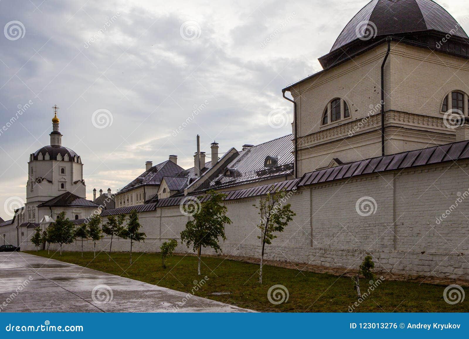 Sviyazhsk, Rosja, Czerwiec 04, 2018: Wniebowzięcie katedra w Sviyazhsk, republika Tatarstan