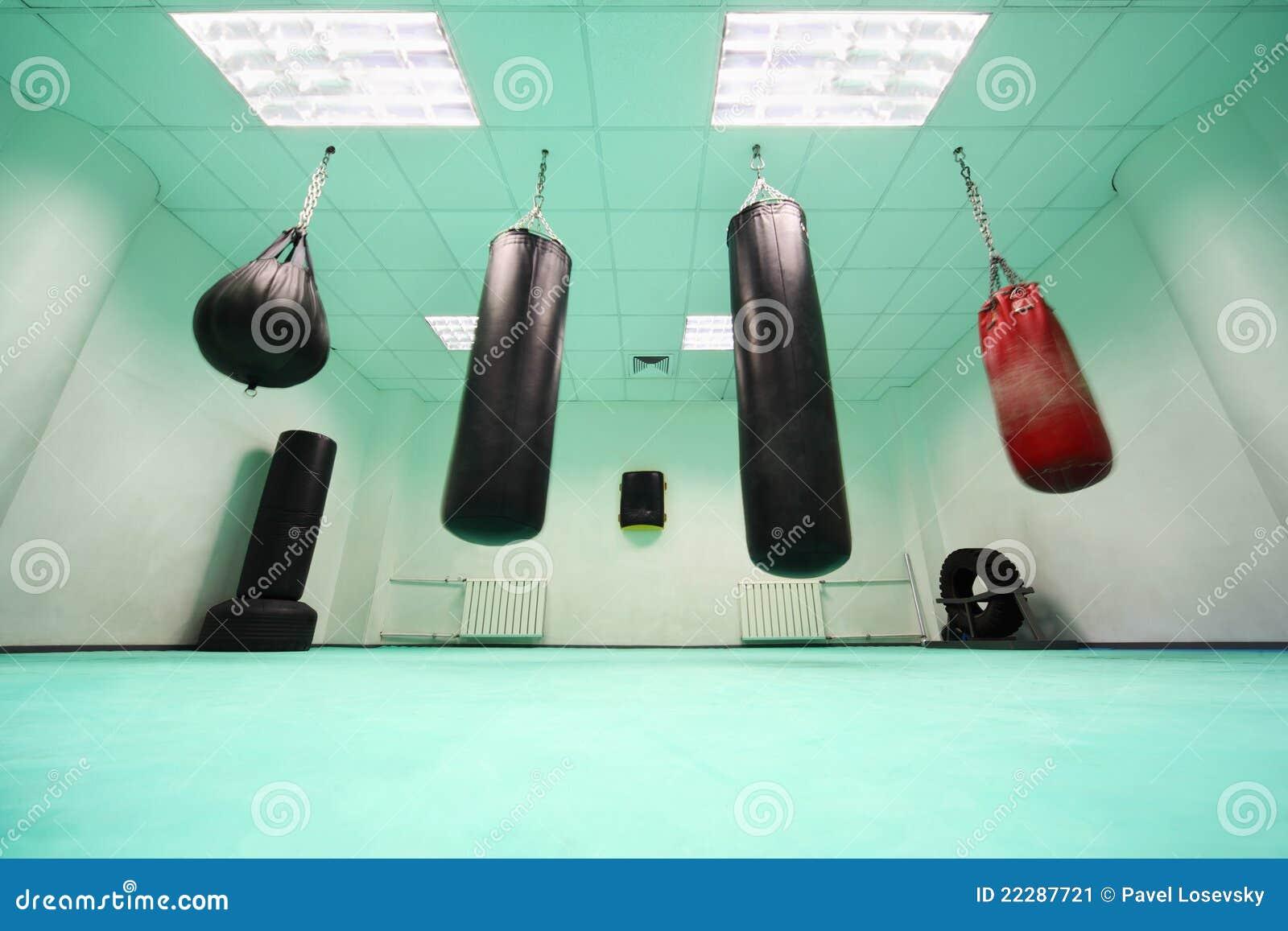 Svuoti la stanza, in cui caduta del sacchetto di perforazione