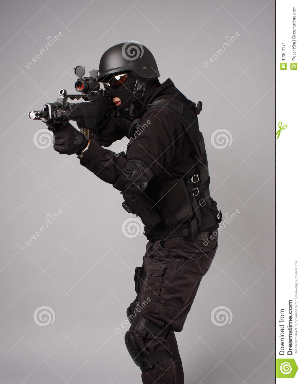 how to become a swat police officer