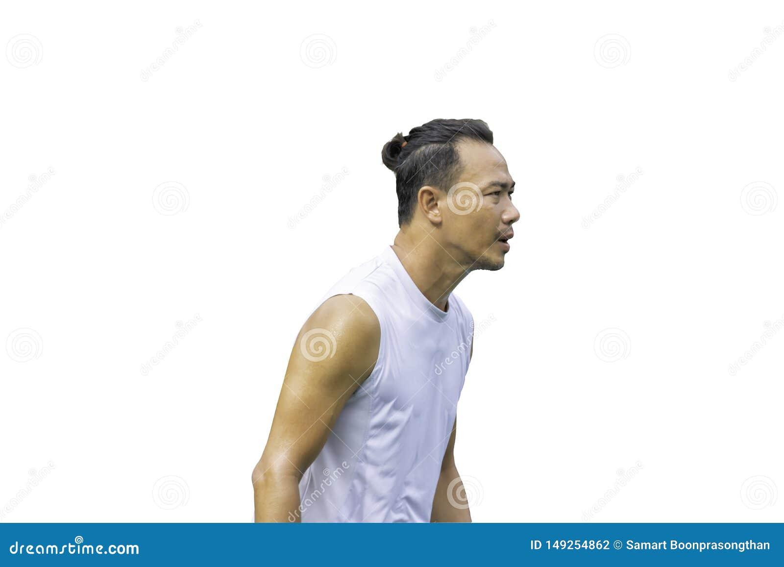 Sweat shirt asiatique d isolement d exercice d homme de portrait humide sur un fond blanc avec le chemin de coupure