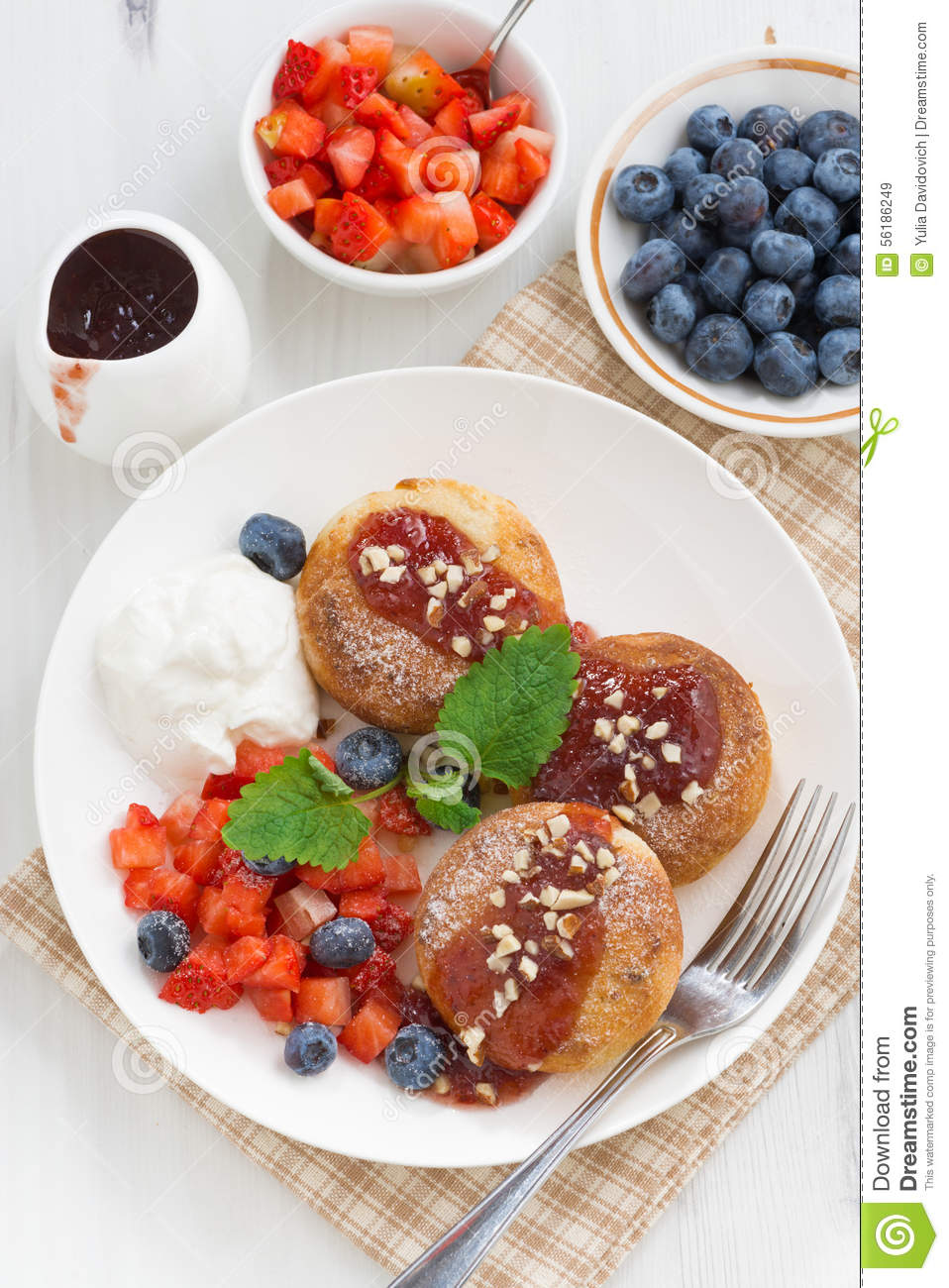 Sweet Cheese Pancakes With Fresh Berries And Cream Stock Photo - Image ...