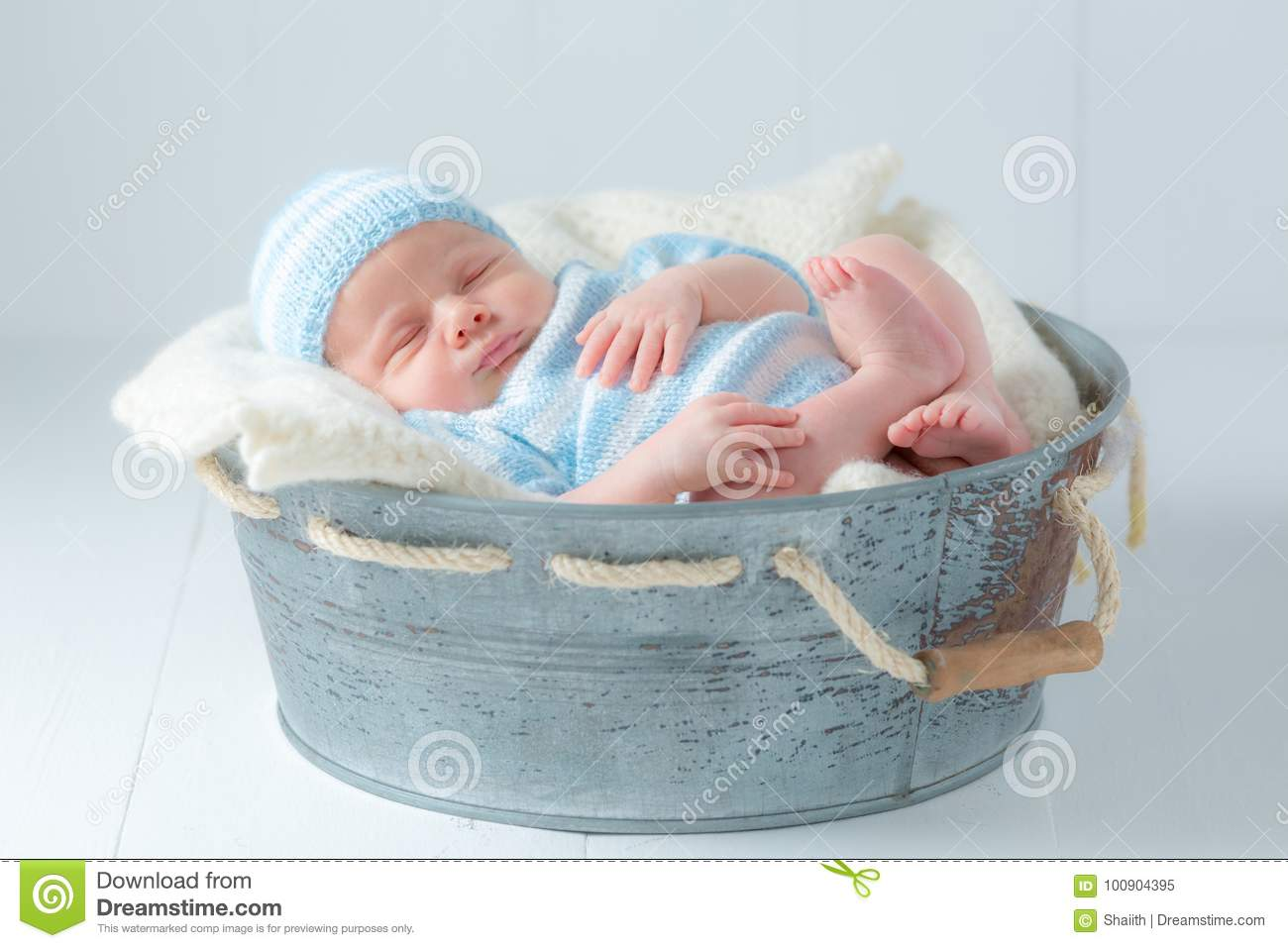 Sweet Newborn Baby Sleeping In Little Bath Stock Image - Image of ...