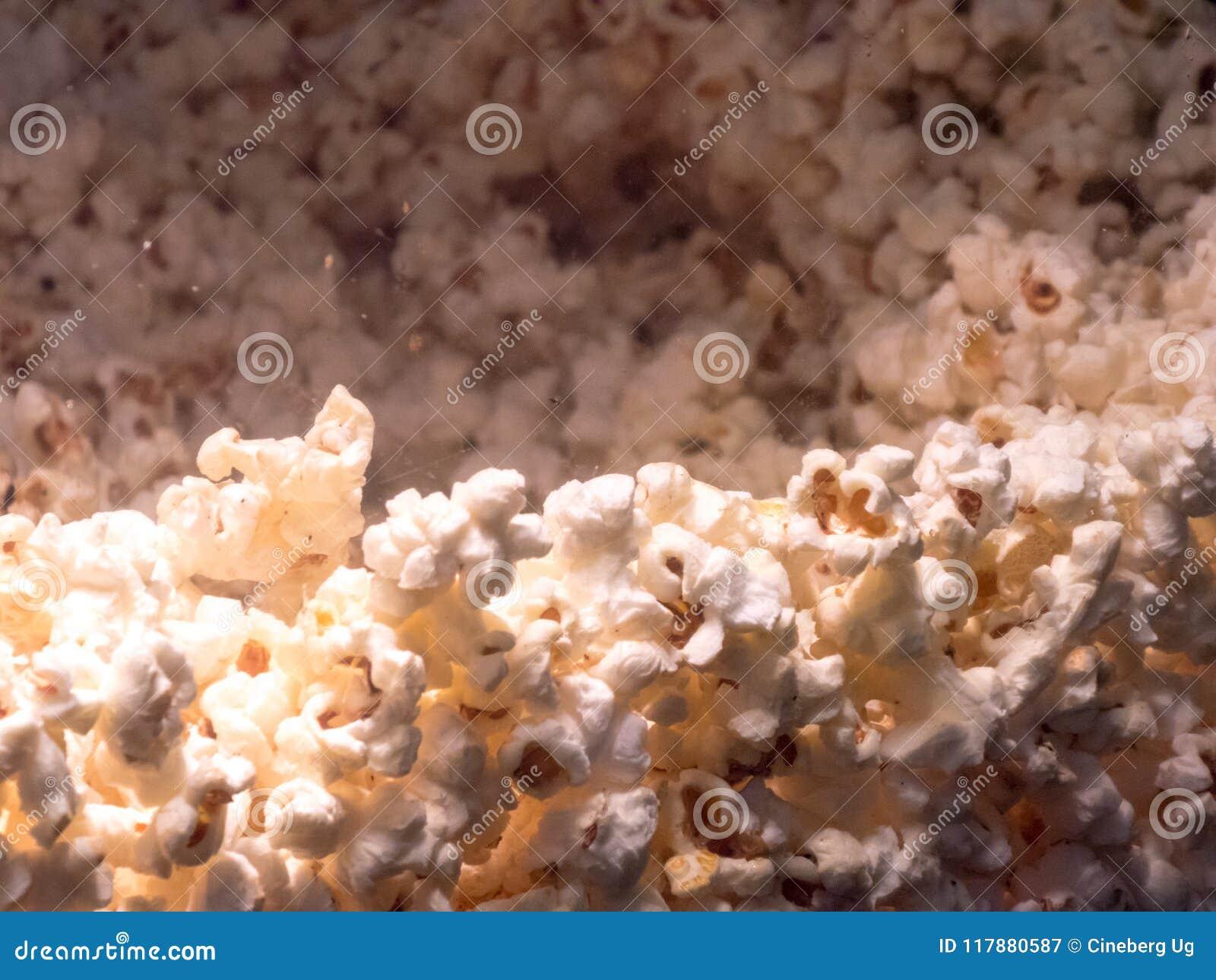 Sweet popcorns