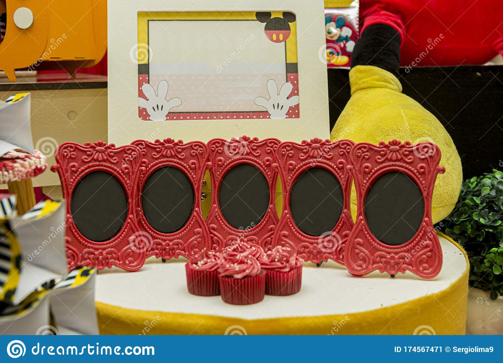 Super Sweet Table Decoration In Children S Party With Mickey Mouse Theme Funny Birthday Cards Online Unhofree Goldxyz