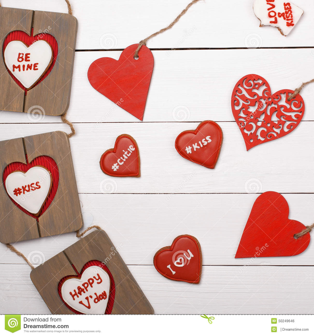 Sweet things for valentine 39 s day wood heart cookies for Cool things to do on valentine s day