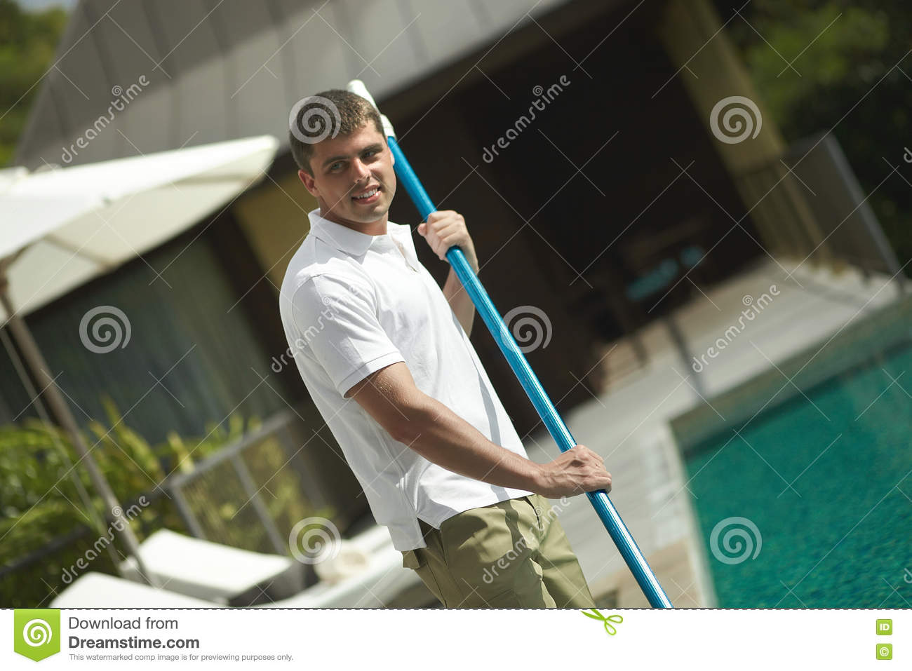 Swimming Pool Service Worker : Swimming pool cleaner professional cleaning service at