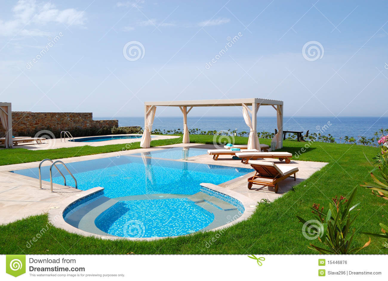Swimming pool with jacuzzi royalty free stock image for Piscinas bonitas