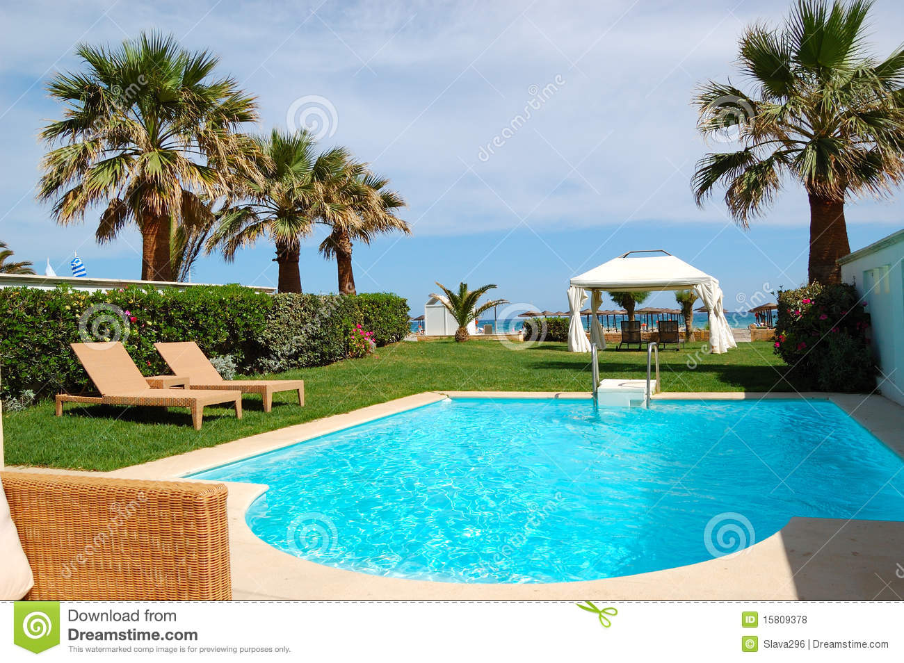Swimming Pool With Jacuzzi Royalty Free Stock Photos