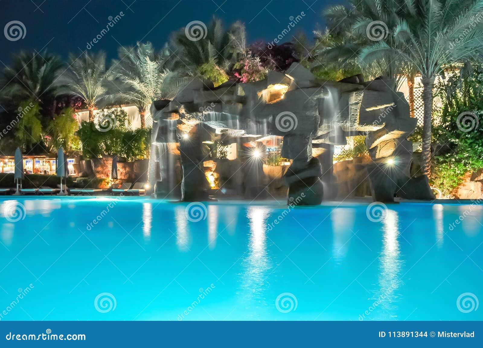 Overview of swimming pools on Vasilyevsky Island in St. Petersburg 39