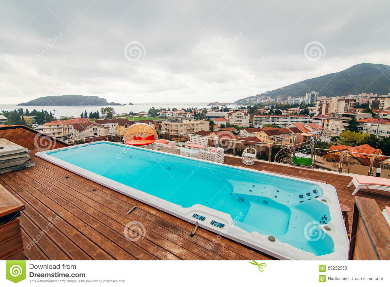Swimming Pool On The Roof Of A House Stock Image Image Of Sands Cool 89232959