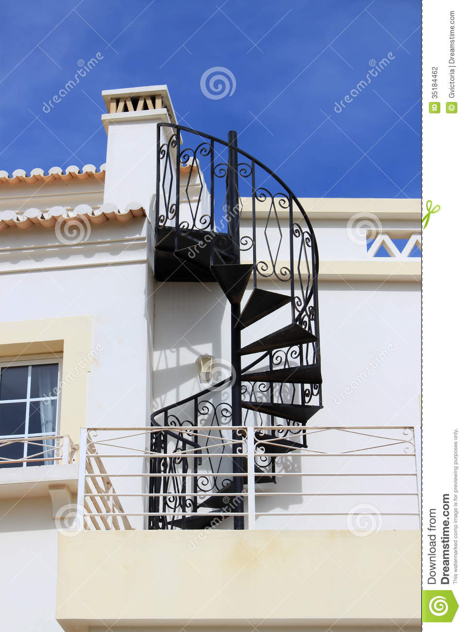 Swirl iron staircase stock photography image 35184462 for Gradas de caracol