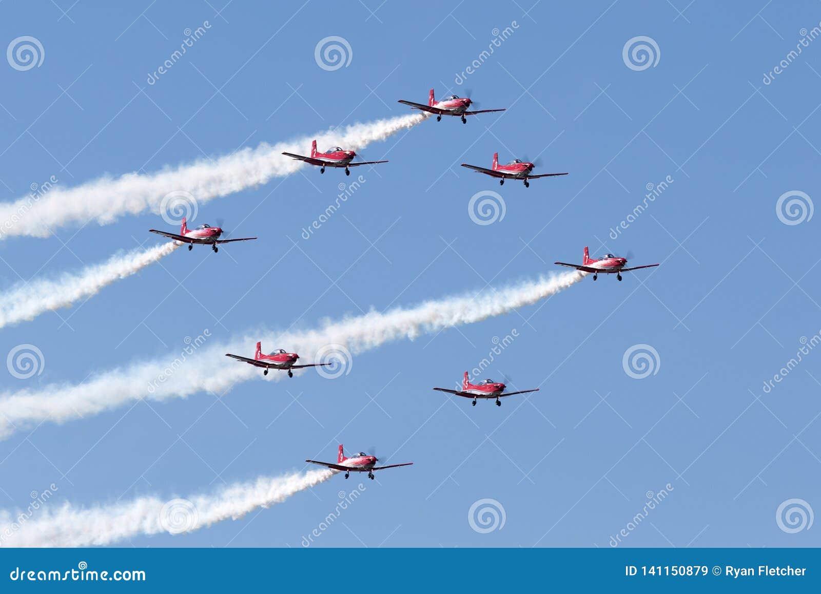 Swiss Air-Kracht PC-7 vertoningsteam die Pilatus vliegen PC-7 trainervliegtuigen