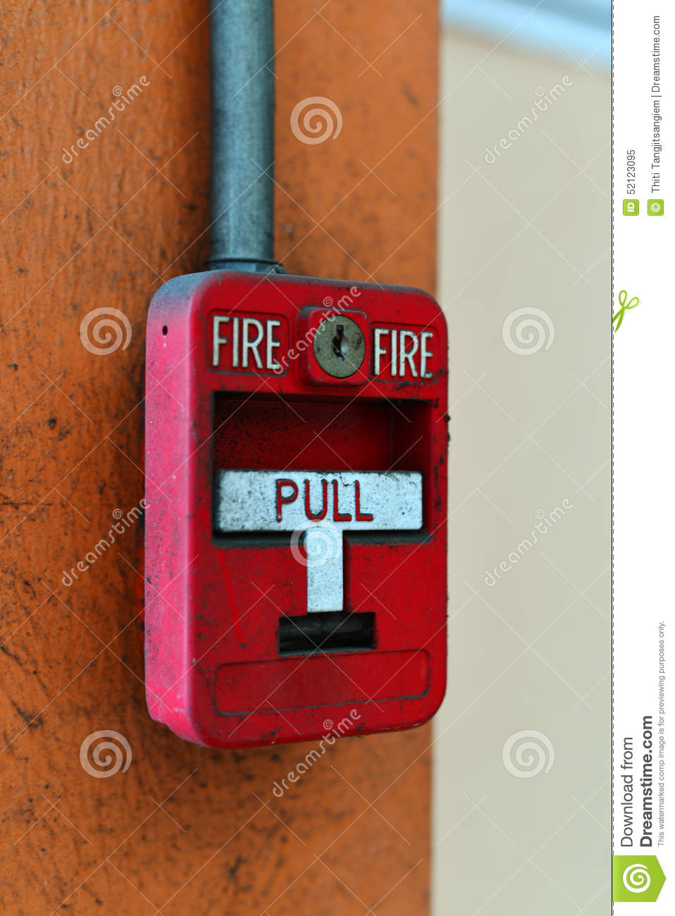 Switch fire alarm on brick wall