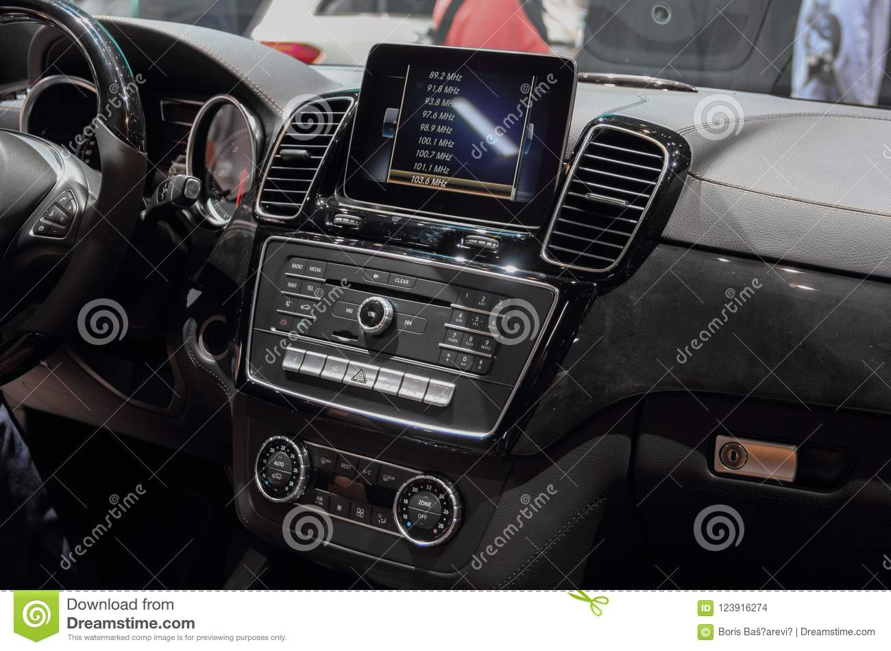 mercedes dashboard buttons