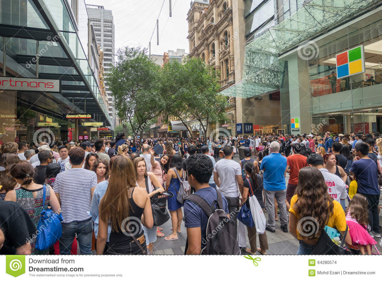 Boxing Day sales in Sydney In addition to spending time with your family and enjoying the holiday season, there's Boxing Day in Sydney. Boxing Day has an origin which historians can't seem to .