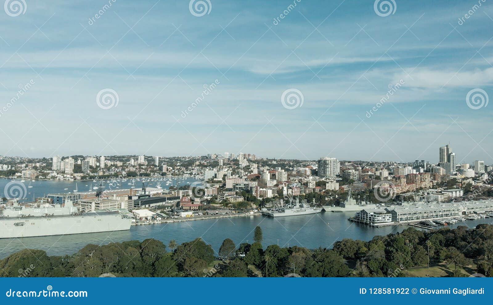 Sydney, Australia Vista aérea del puerto de la ciudad con los edificios