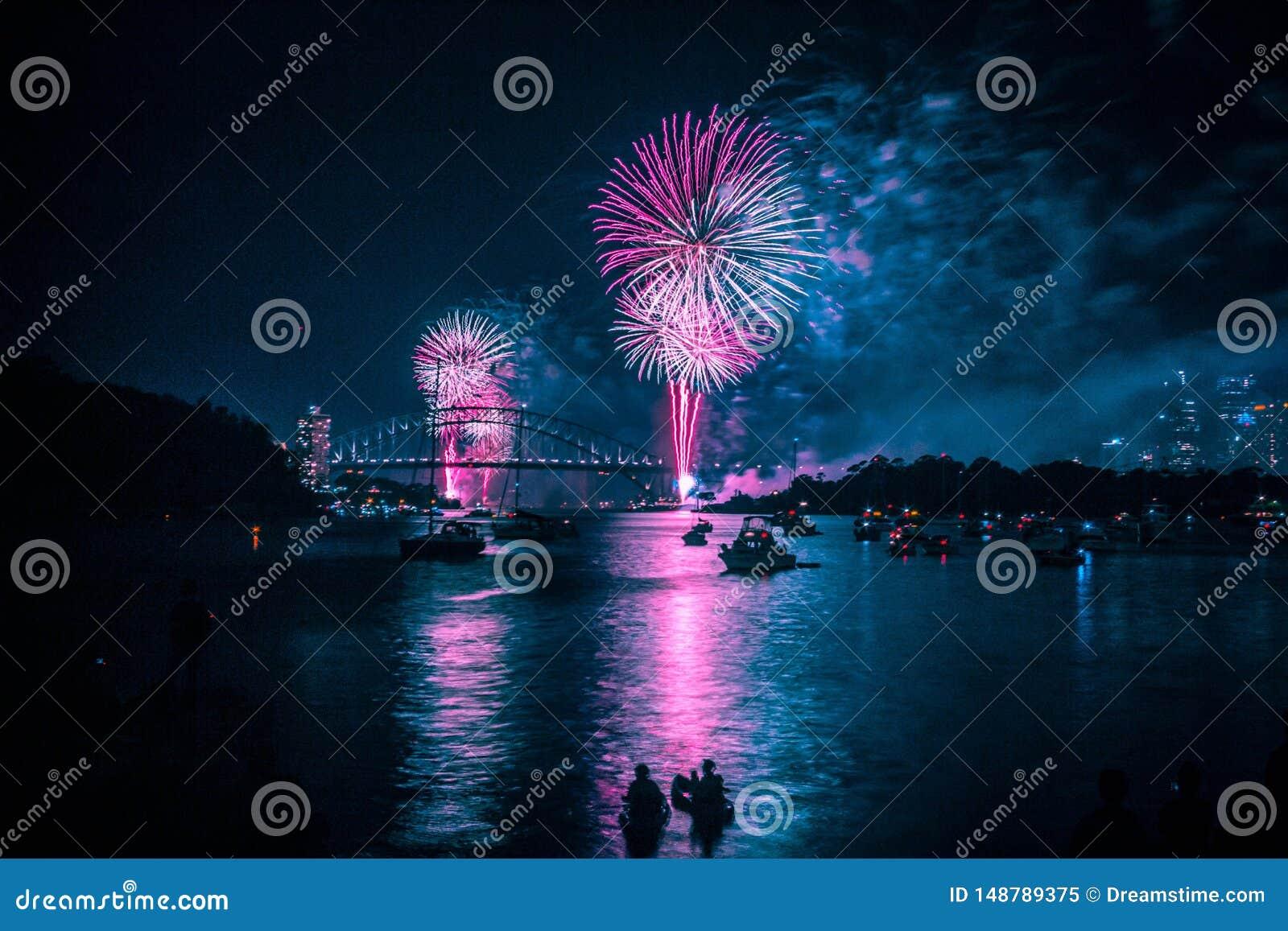 Sydney Harbour Bridge durante Eve Fireworks de ano novo