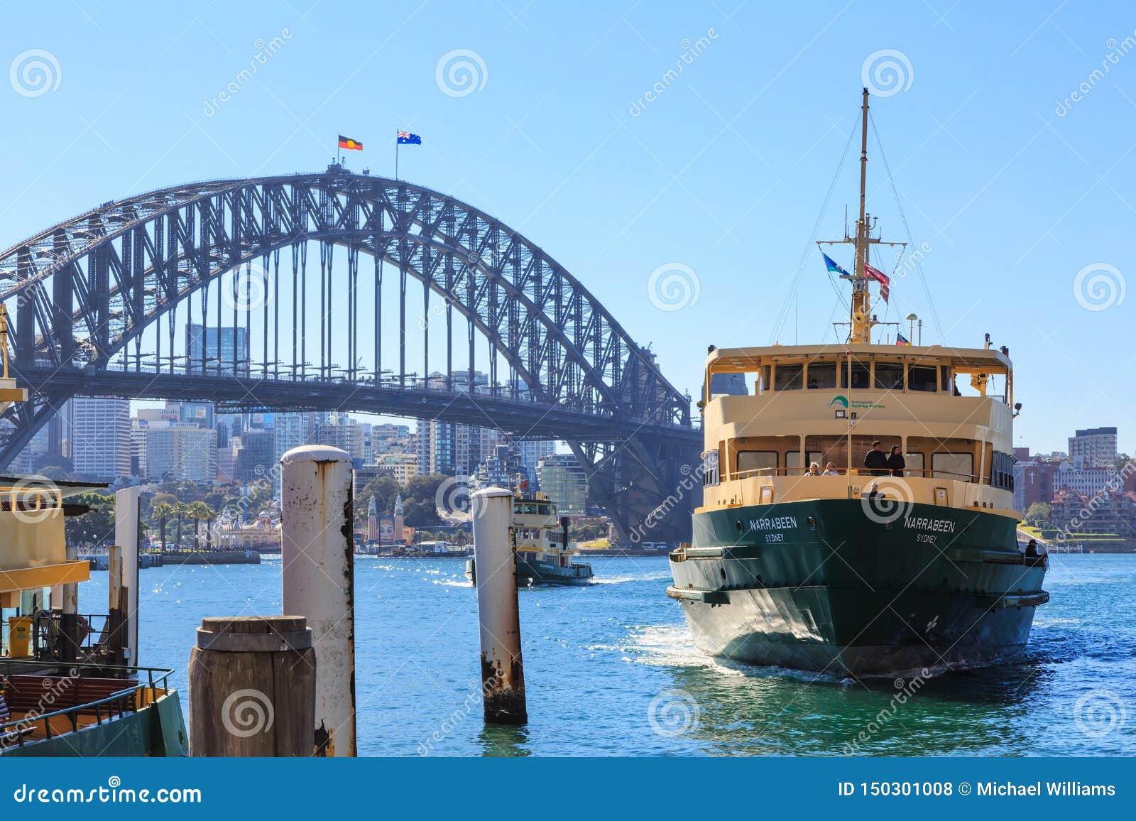 Sydney Harbour Bridge und Fähre, Australien