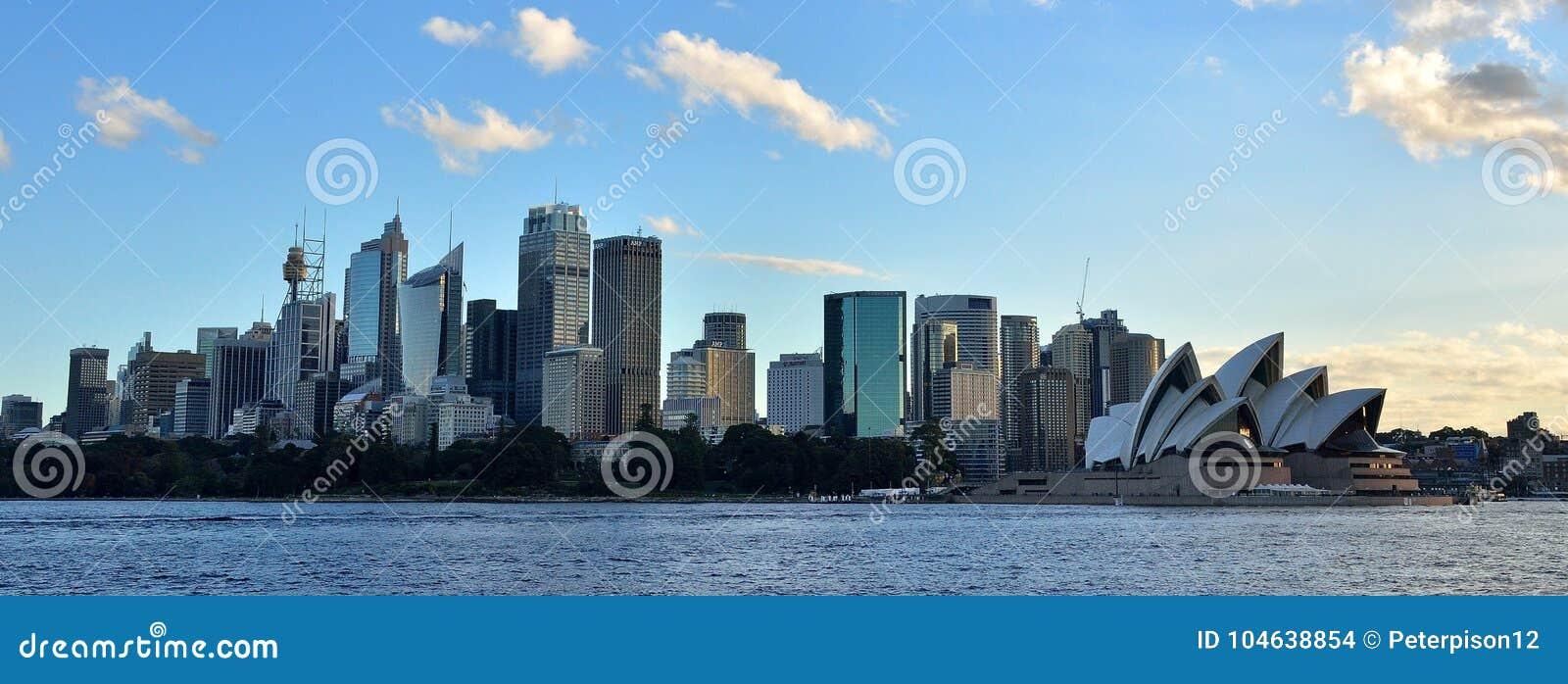 Download Sydney, NSW, De Horizon Van Australië En Cityscape Stock Foto - Afbeelding bestaande uit wolkenkrabber, kade: 104638854