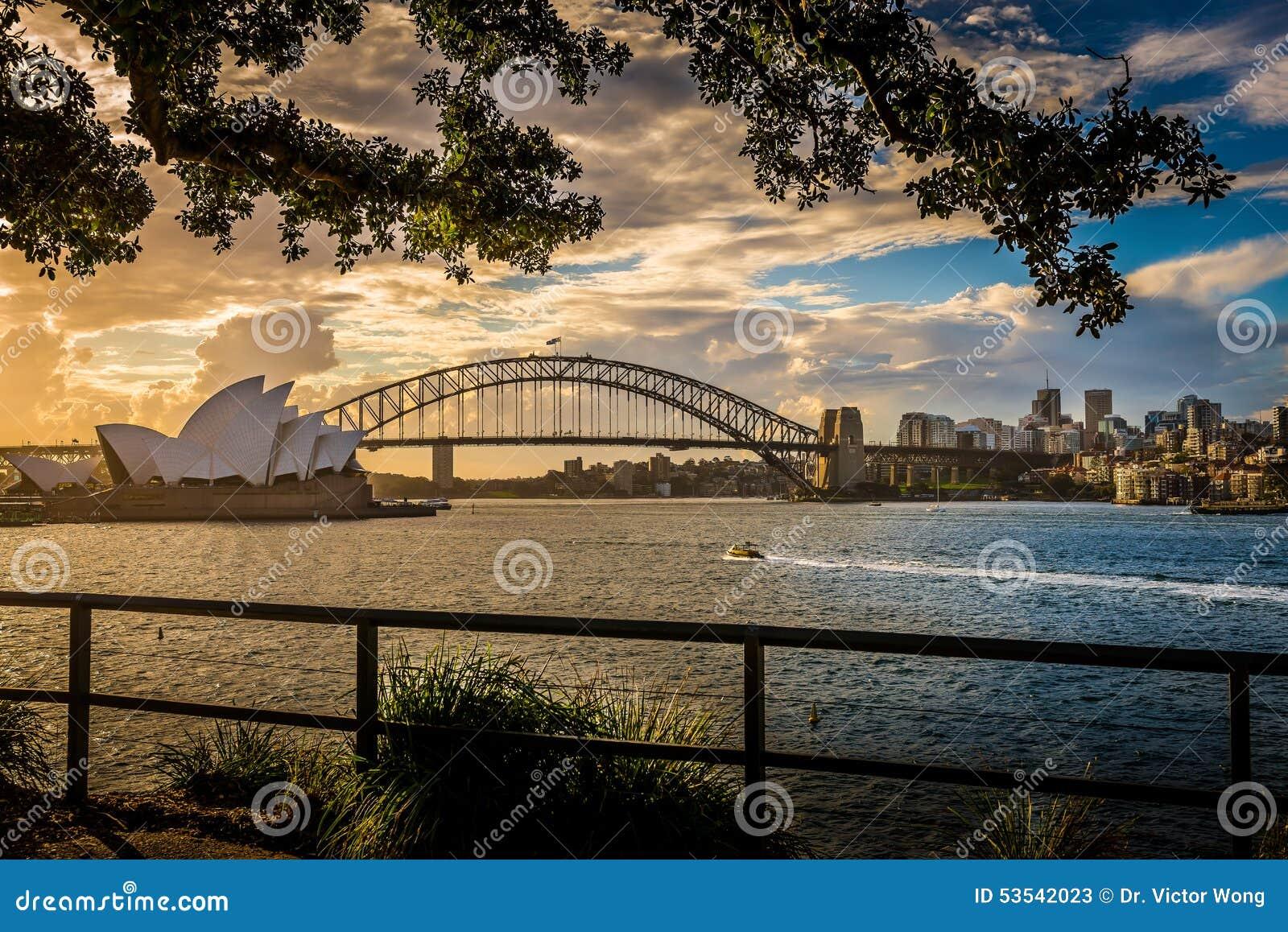 Sydney Opera House & hamnbro
