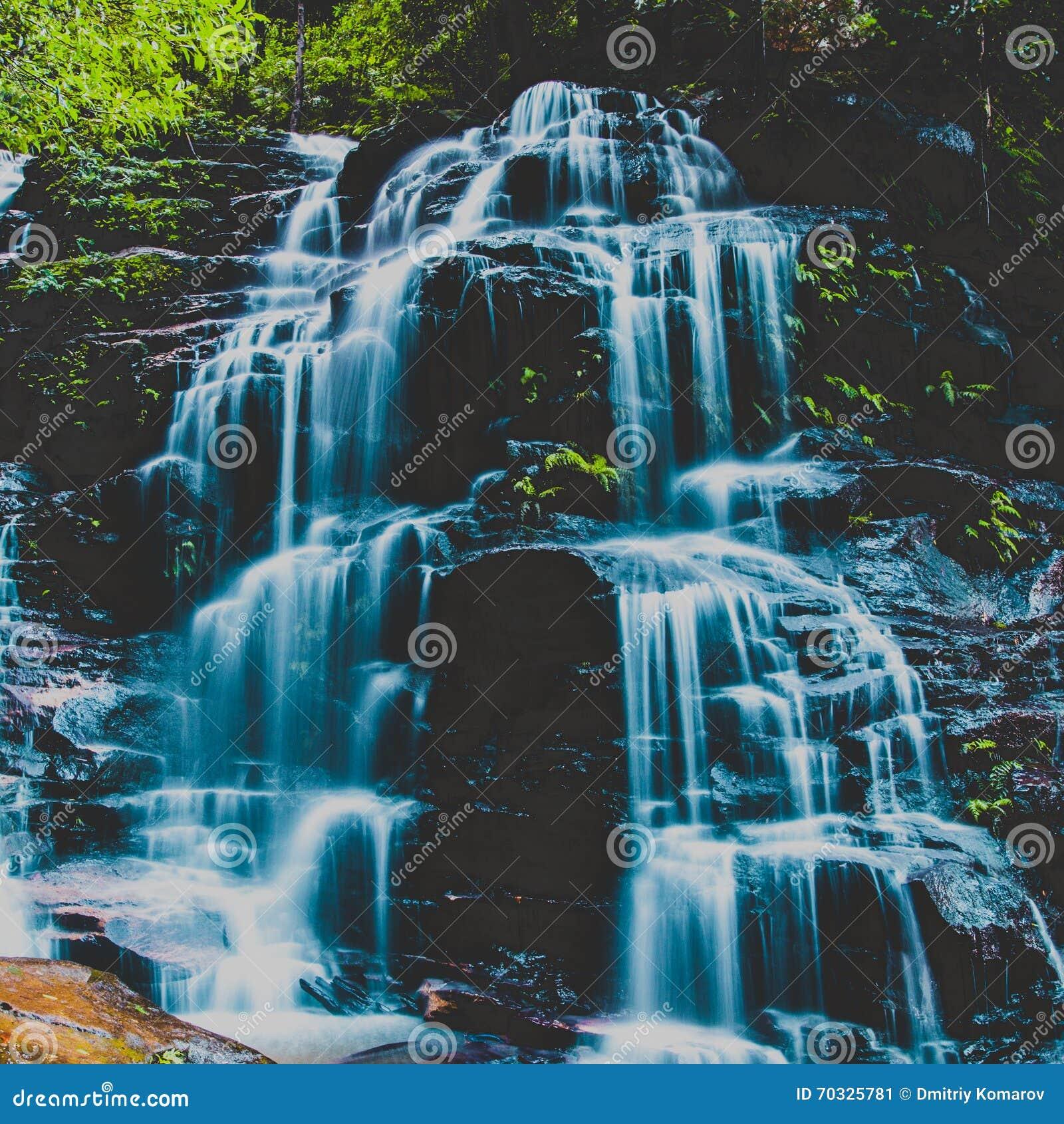 Sylvia Falls, montañas azules, Australia