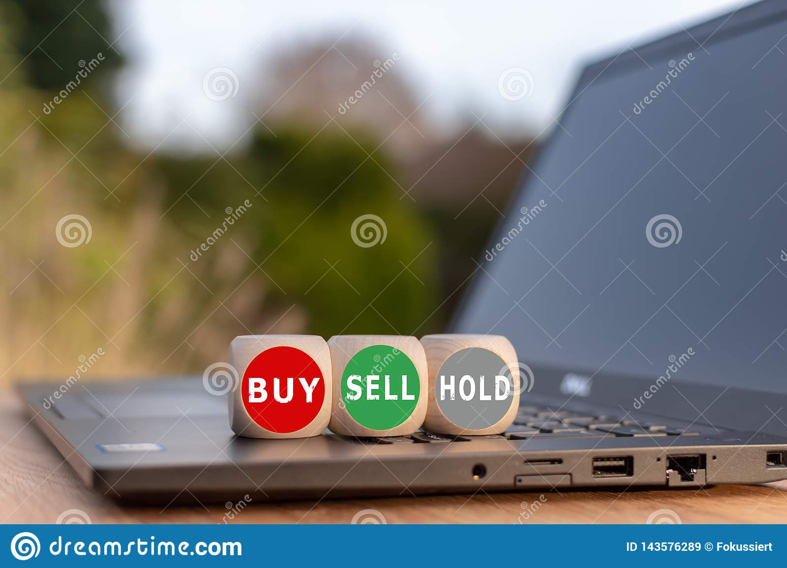 Symbol for the decision to buy, to sell or to hold.