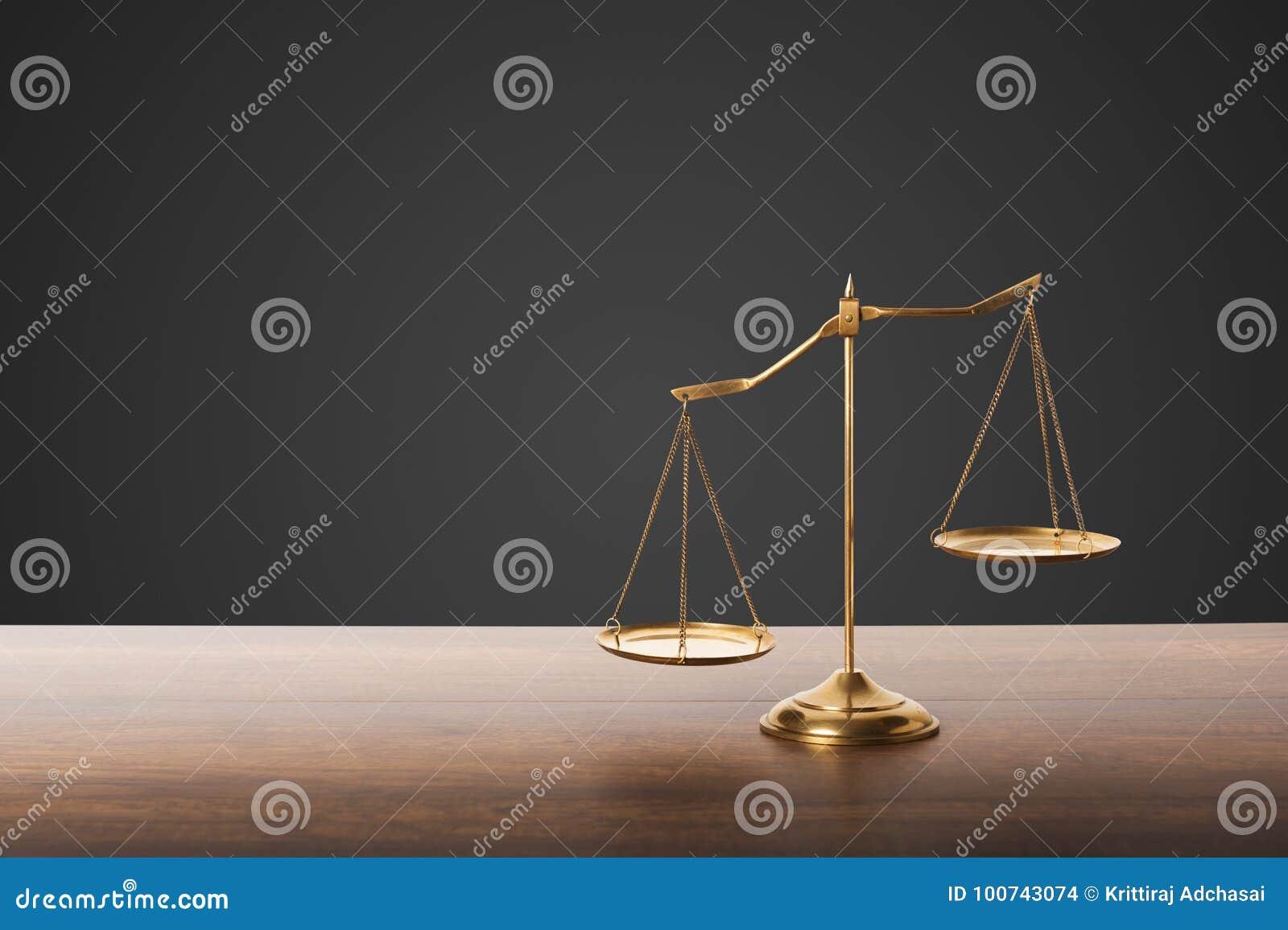 Symbol von Gerechtigkeit, Pharmakologie, Präzision, Antike