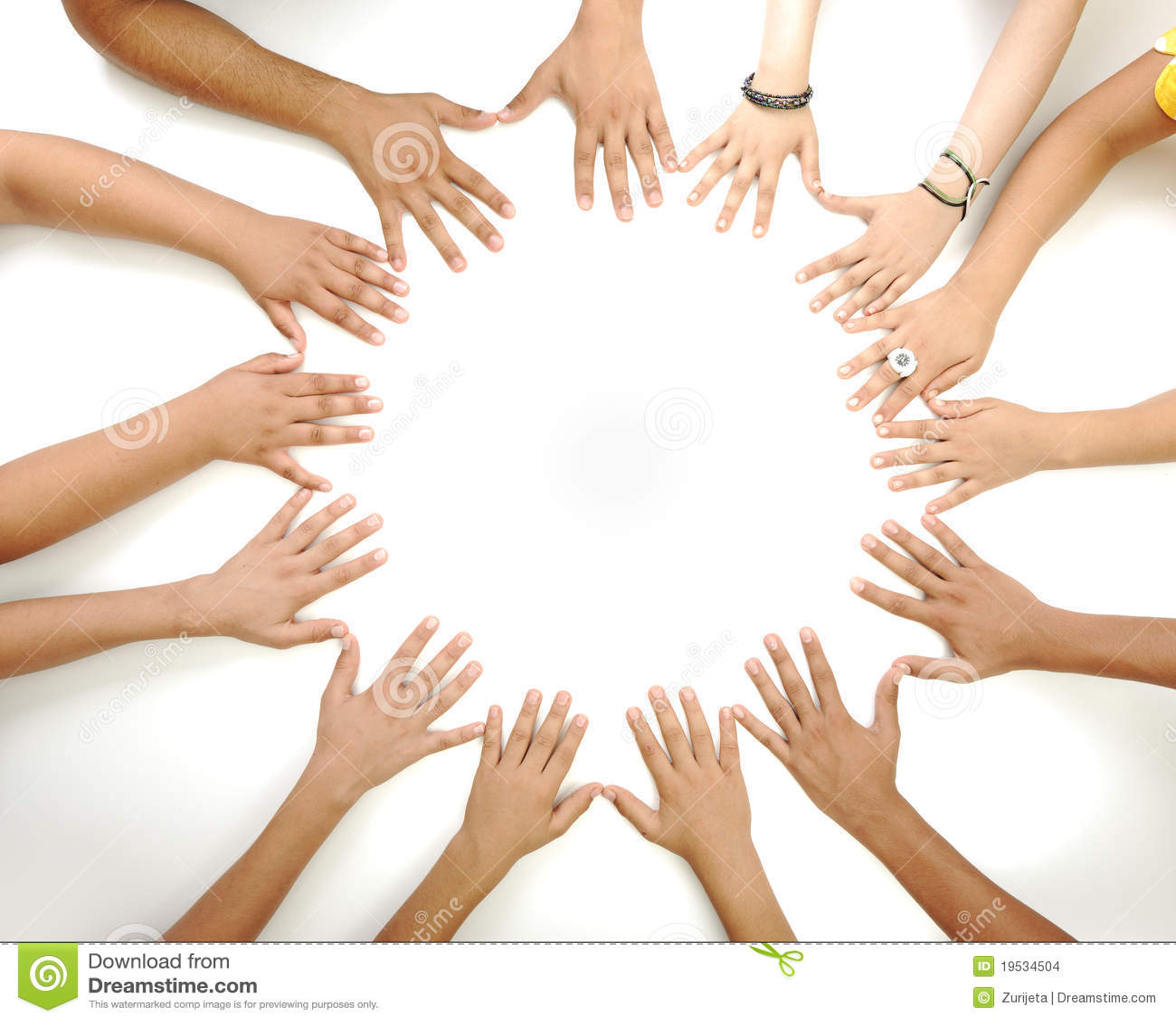 Symbole conceptuel des mains multiraciales d enfants