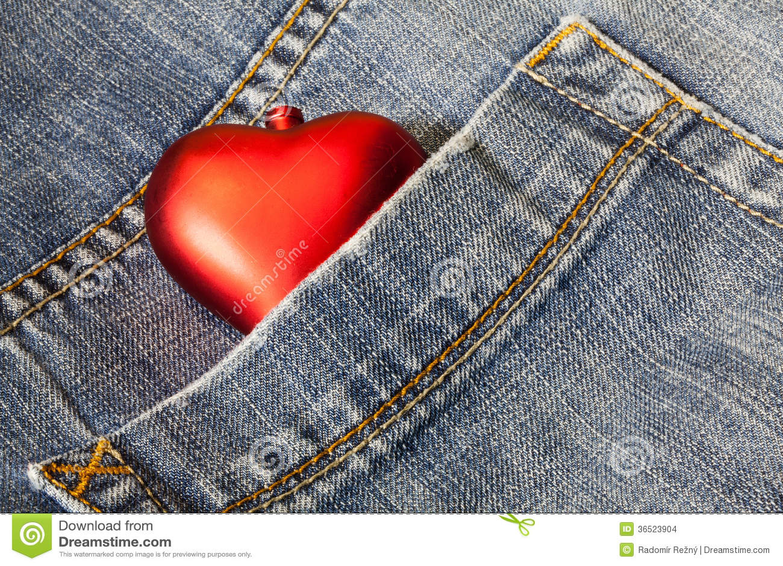 Symbole d amour dans blues-jean