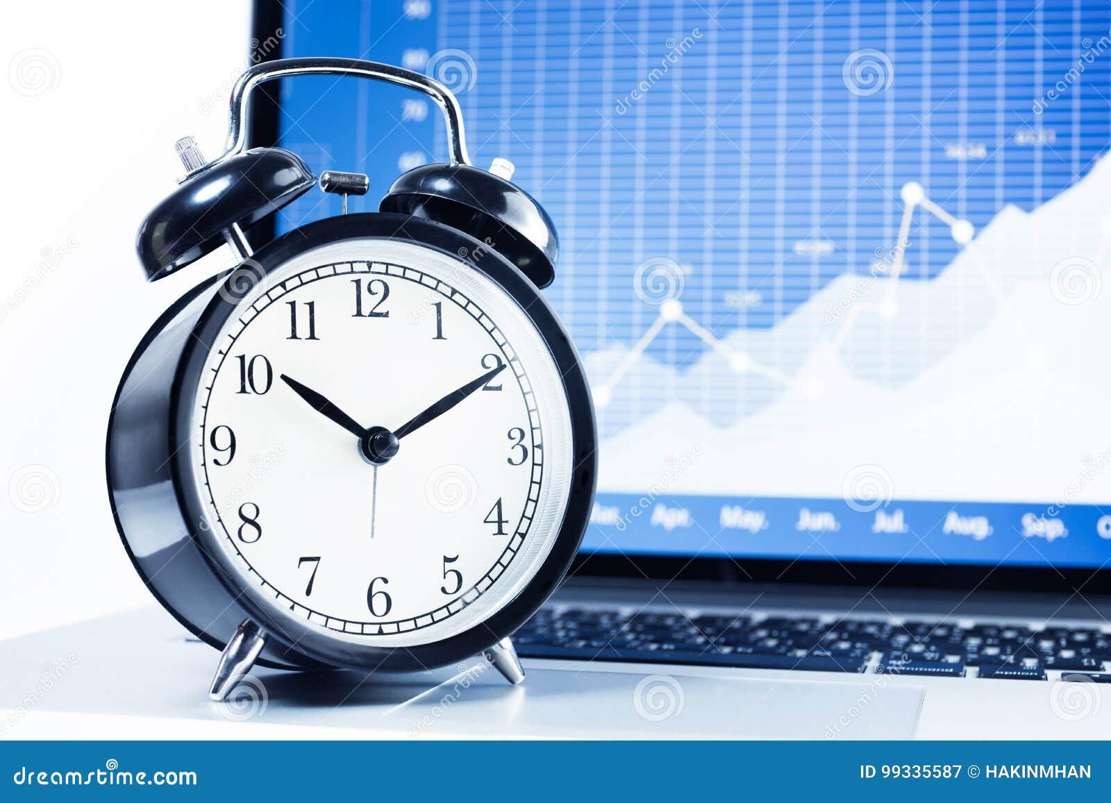 Synchronisez l alarme avec le diagramme courant de graphique à l arrière-plan d écran d ordinateur portable