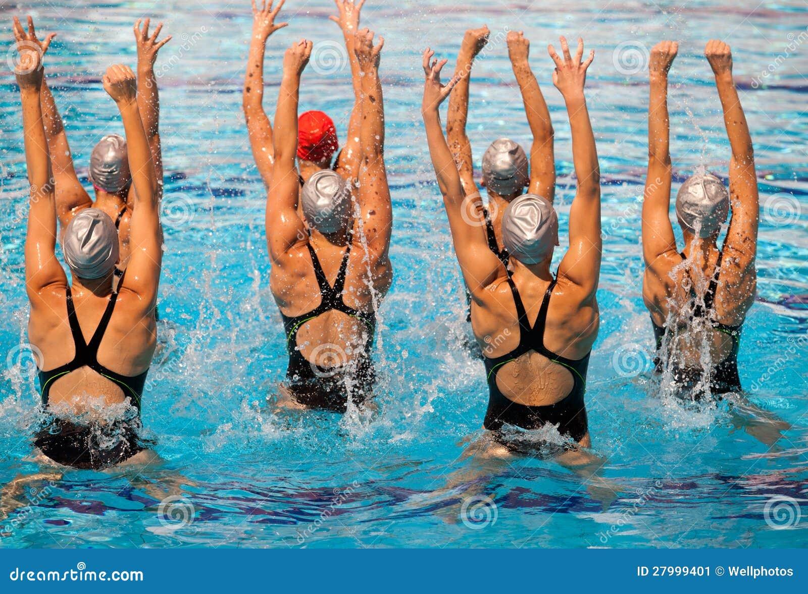 Маркус синхронное плавание голышом цыпочках