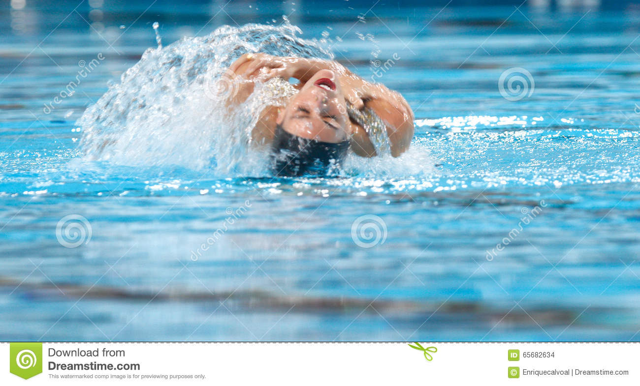 Synchronized Swimming Ona Carbonell Twirl Editorial Image ...