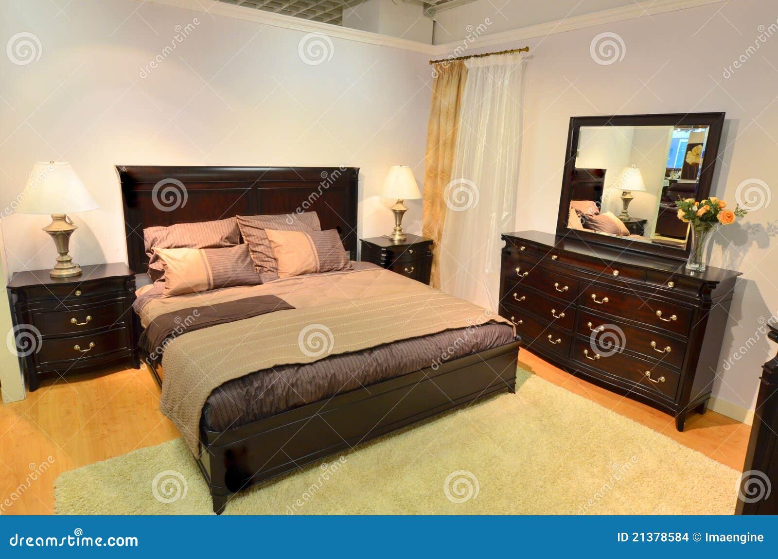 sypialni drewniany klasyczny meblarski zdj cie stock. Black Bedroom Furniture Sets. Home Design Ideas