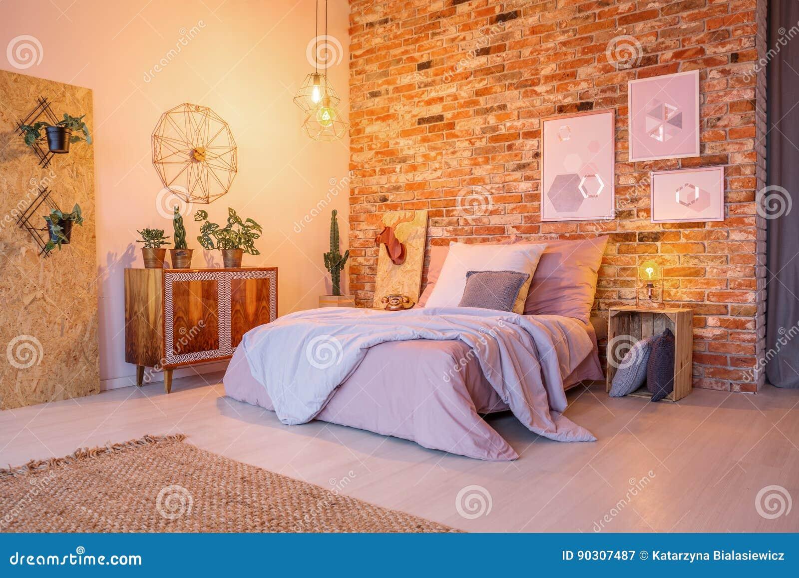 Sypialnia Z Drewnem I Cegłą Obraz Stock Obraz Złożonej Z