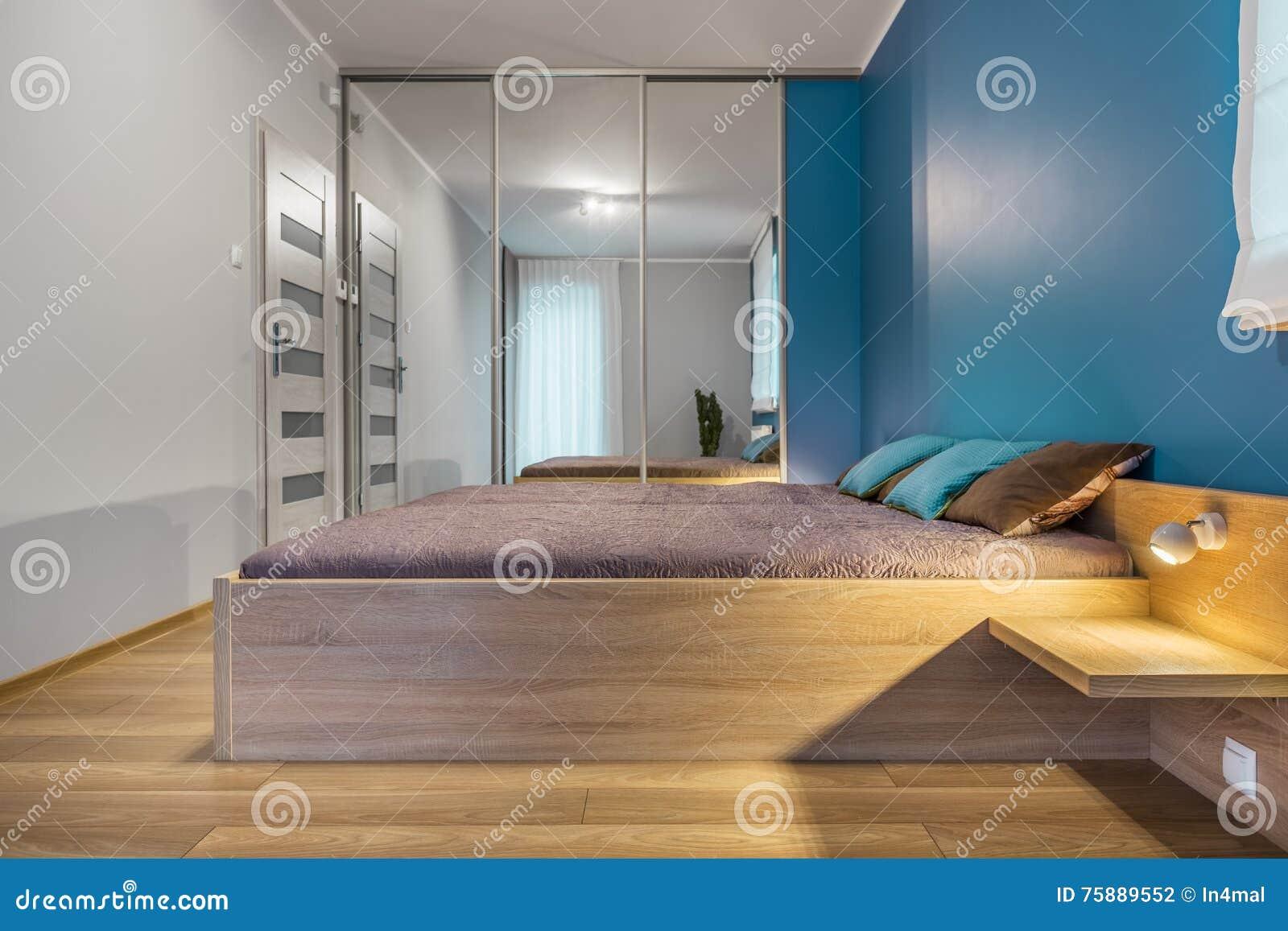 Sypialnia Z Królewiątko Rozmiaru łóżka Pomysłem Zdjęcie