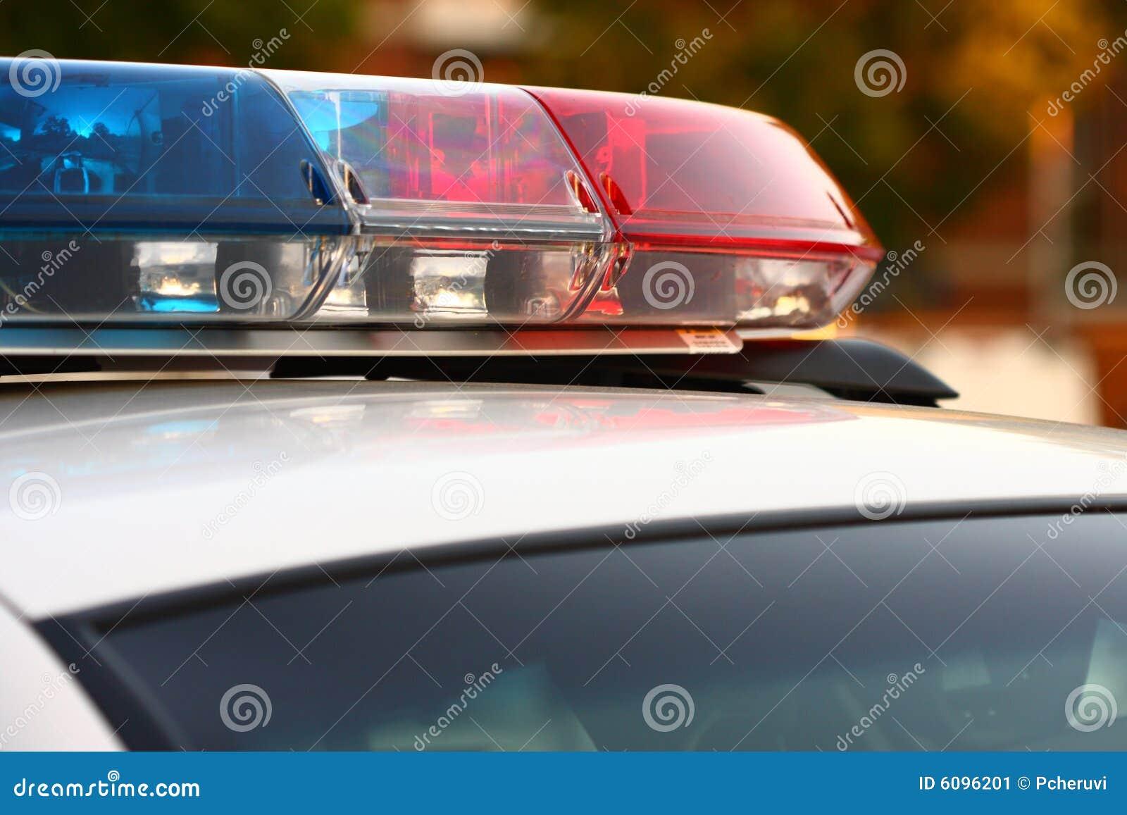 Syreny policyjnej jednostki zamknięta,