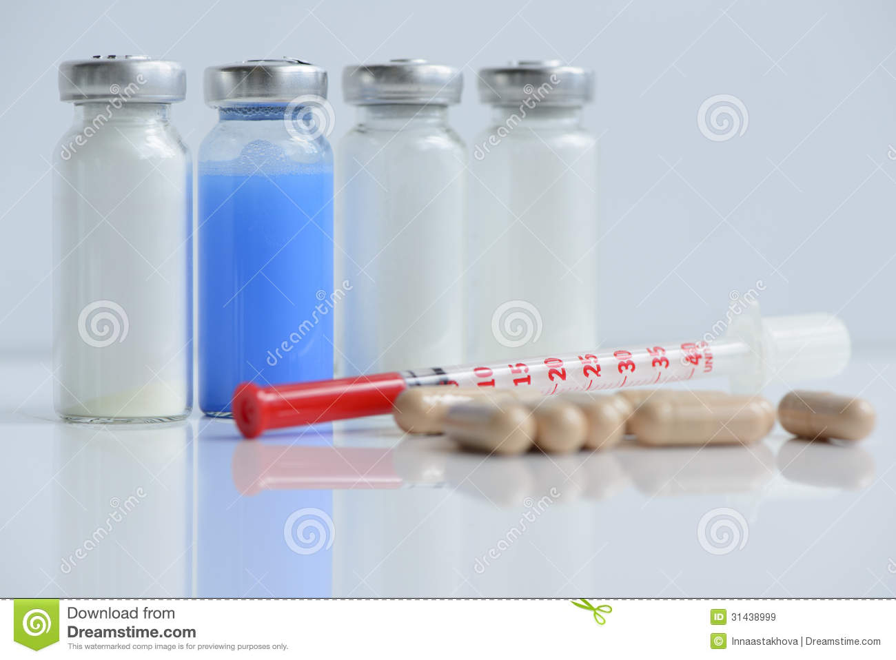 Syringes Pills And Vials Royalty Free Stock Images
