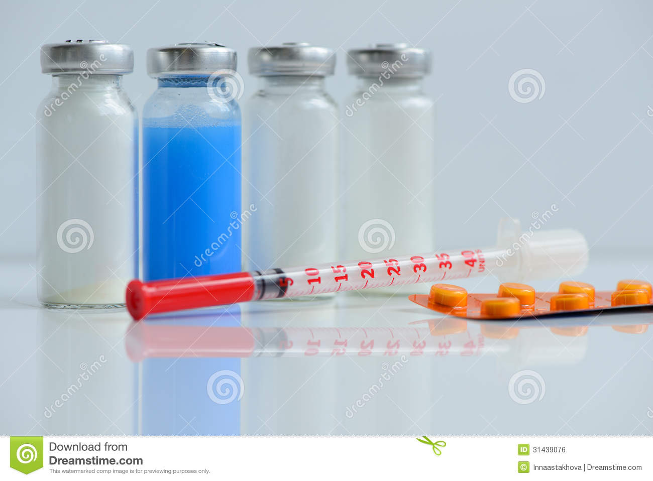 Syringes Pills And Vials Royalty Free Stock Image
