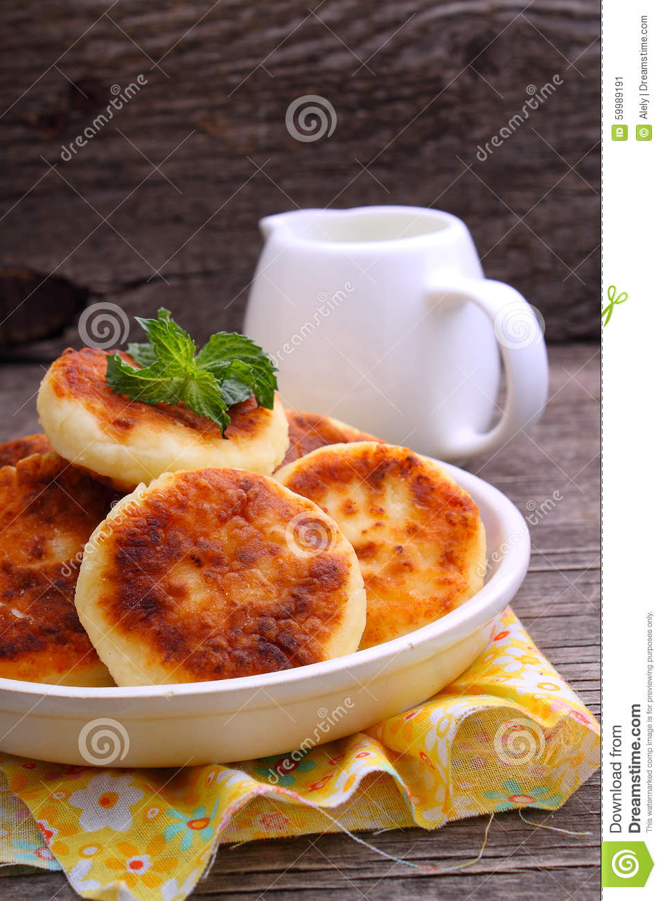Syrniki cottage cheese pancakes fritters of cottage for Authentic russian cuisine
