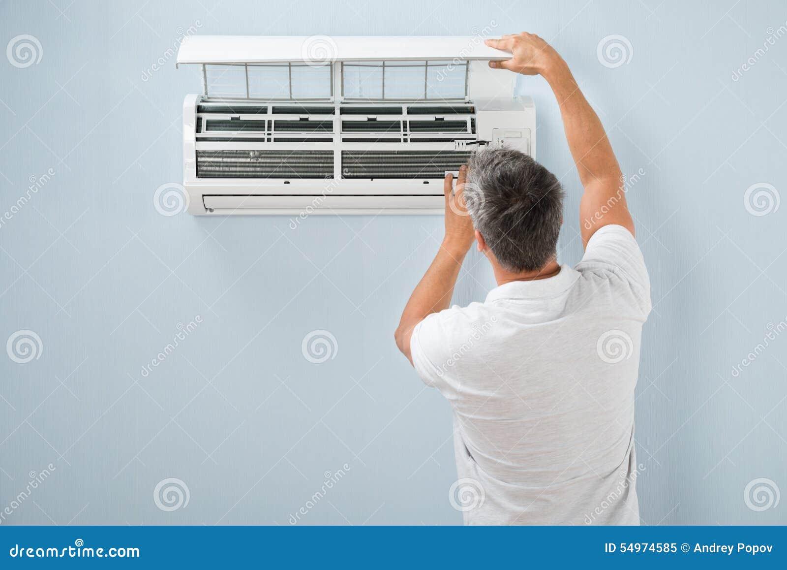 Systeem van de mensen het schoonmakende airconditioning