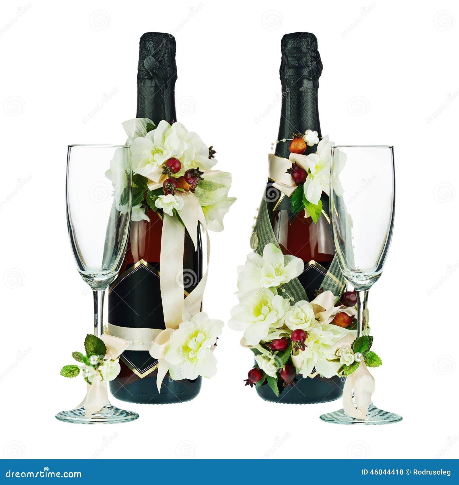 Wspaniały Szampan Butelki Z Szkła I ślubu Dekoracją Kwiat Ar Zdjęcie Stock OB67