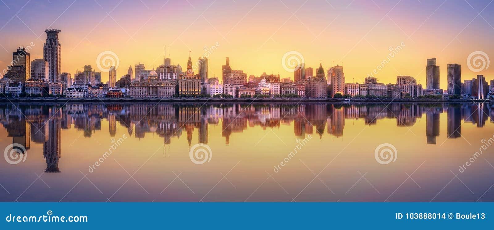 Szanghaj linii horyzontu pejzaż miejski
