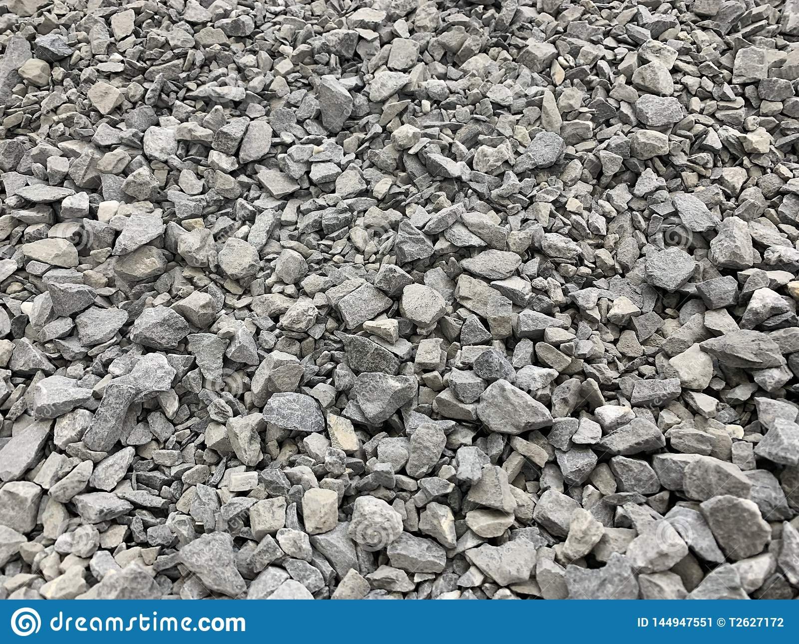 Szara mała granitowa kruszka, materiał budowlany, prosty tło