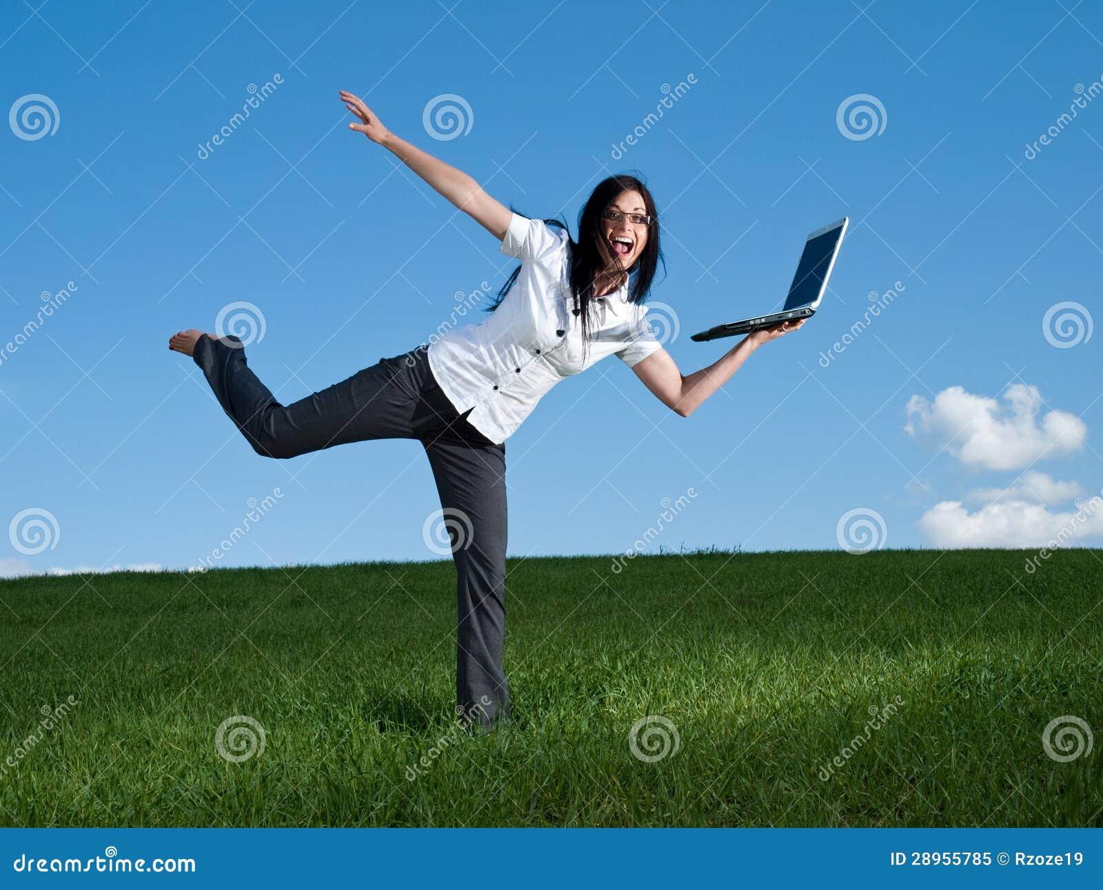 Szczęśliwa biznesowa kobieta