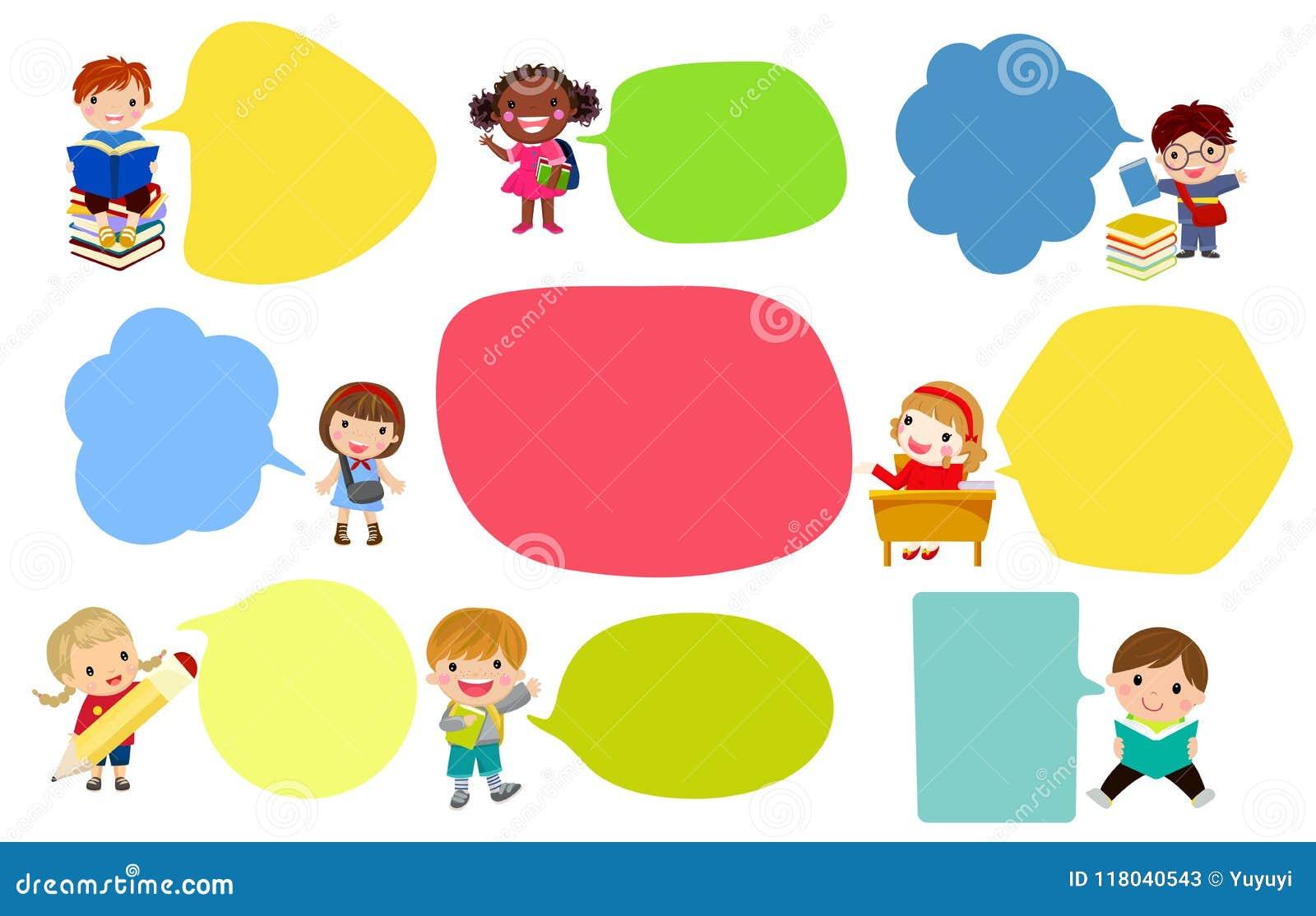 Szczęśliwa dziewczyna i chłopiec mówi wiadomość z pustym mowa balonem,